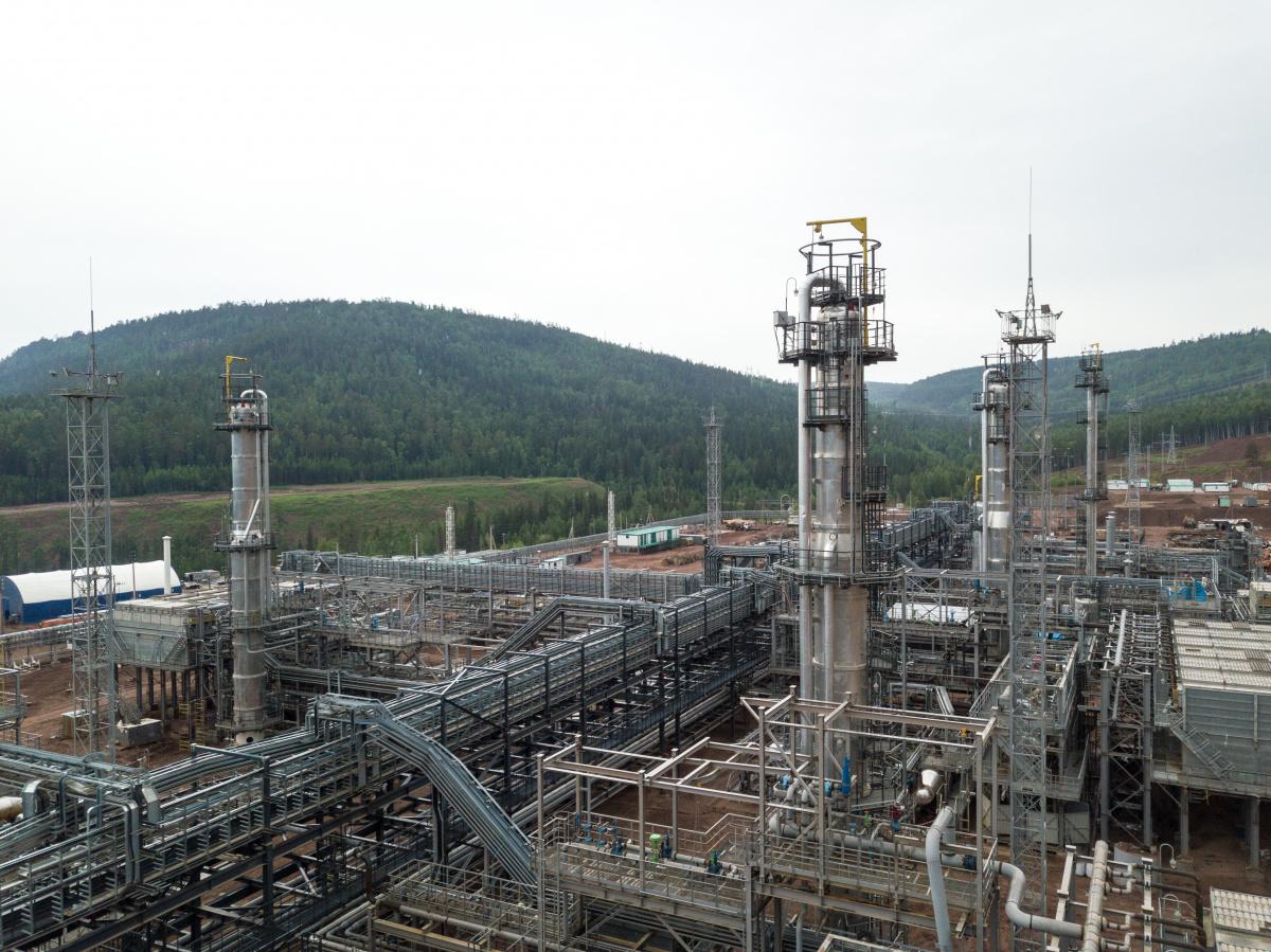 Иркутская нефтяная компания приступила к пусконаладочным работам на Усть-Кутском ГПЗ